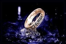 Кольцо / ...  ношу его на пальце .. а оно мне спокойствия не даёт ... всё просит: сфоткай да сфоткай ...