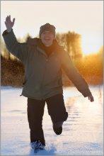 / автопортрет, пусть будет. снято на льду озера, которое фигурирует в большинстве моих работ. январь, минус 22