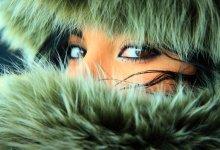 В твоих красных глазах не было льда - спасибо тебе, благодарю тебя. / глаза в глаза.