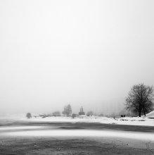 Над островом густой туман клубился... / -----