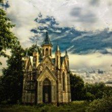 Opuszczony kościół... / kostel