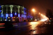 Вспышка светофора / Прогулка по ночному городу с камерой в руках