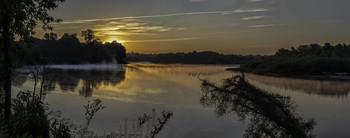 День начинается... / 15.08.2021, річка Десна, місто Остер...