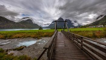 Гейрангер - норвежская сказка. / Гейрангер одно из красивейших мест Норвегии.