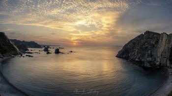 Силенсио / Вечер в бухте Силенсио (т.е. Тишина). Астуриас, атлантическое побережье Испании