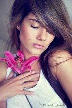 Нежность ее прикосновений... / С днем варенья Юлик!:)