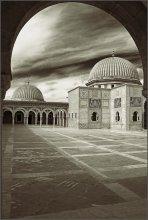 Мавзолей / Тунис ,г.Монастир.- построен в честь первого президента.
