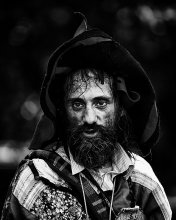 bearded man... / .....