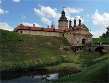 Дворцово-замковый комплекс Радзивиллов / Несвиж Панорама из 10 вертикальных кадров в два ряда.
