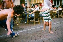 капоэйра / И снова Амстердам. Развлечение для отдыхающей публики. Скакали так, что пришлось включить мануал фокус. Шара помогла с резкостью :)