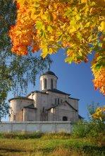 Смоленск и его окрестности ...9 / Свирская церковь.... 13 век Юрий, как и обещал - для тебя, тем более, что показал её только издалека....