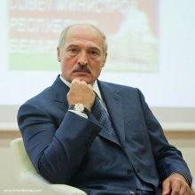 Александр Лукашенко. Глаза. Портрет. / При всем нашем уважении или неуважении к данному человеку, глаза у него очень выразительные...  Вот другие фото с Вильнюса - http://toxaby.livejournal.com/359333.html