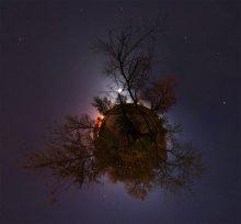 """Сказки на ночь / 6 кадров книжной ориентации со штатива + панорамная головка. ISO200. f/8. Et30s. Просмотр во флеше обязателен! Добавлена возможность выбора проекции из контектного меню по правому клику. Рекомендуется просмотр в проекции """"Little planet"""" http://fertilizermods.elteh.org/panorama/night/moon.html"""