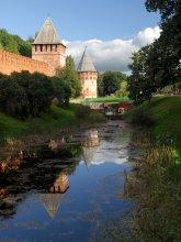 Смоленск и его окрестности 24.. Отражения.. / Смоленск. башни Бублейка и Громовая.