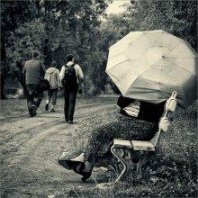 [ Les Parapluie ] / ...провожая фотографов взглядом;) PS ...Уральский-Ракович-Бельский энд Зонтик