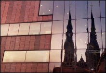 """Эйндховен. Отражения. / торговый центр, кстати, называется """"DYNAMO"""" а церковь в отражения - не знаю как."""