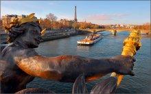 Вид смоста / вид с   моста им. Александра 3,открыт в 1900г.  Париж