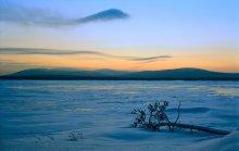 Вечер короткого дня / Снято на озере Экипурымтур (Северный Урал) в декабре прошлого года.