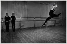 Прыжок / Искусство -- это прекрасно, а люди им занимающиеся - уважаемые люди!