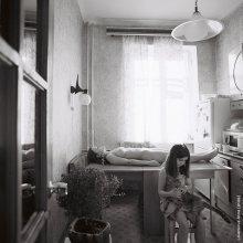 """В квартире № 22 / фотопроект """"за стеной"""" описание тут http://photoclub.by/blog/232 Выдох.... это последняя карточка из проекта, вывешенная тут...)))"""