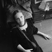 Виктория (портрет с тросиком) / .......