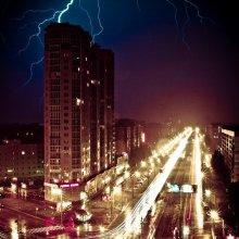 flash / в ночь на 30 июля Питерскую землю после долгого удушливого воздержания накрыло бешеным грозовым оргазмом