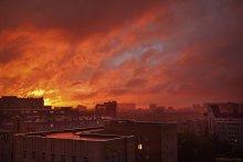 Закат над Мордором / 2 сентября, 19.15, Москва, вид из окна офиса...  Толкиен был прав... :))