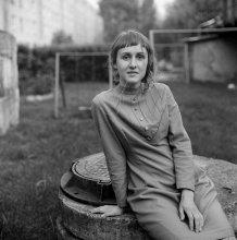 Аня (портрет с травинкой) / .........