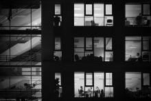 .... В конце рабочего дня / рассматривать на черном фоне http://www.youtube.com/watch?v=43po7G0rsrc