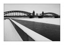 Геометрия петербургской зимы / Мост Петра Великого