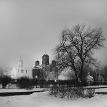 Святое место в чёрно-белом обличии... / Церковь на улице П. Глебки.