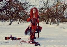 red and crocheted / плёнка Nikon F100  модель: Юлия Пашкевич