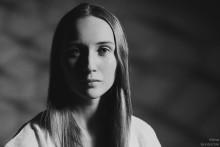 simple / Модель: Настя Рудковская. Знаю, последние портреты очень похожи между собой, но хочется добавлять.