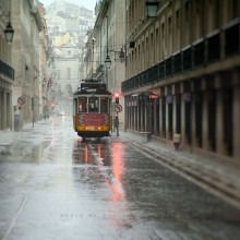 in Lisbon rain. / *****