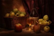 Антоновка / Натюрморт с яблочным соком