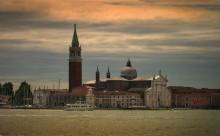 Città Eterna / Penso che tu indovinato che si tratta di Venezia