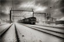 Train / *******