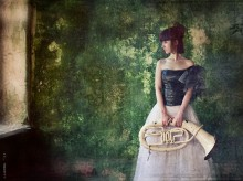 Green noise - 2 / Откопала в архивах еще несколько фото девочки с трубой.