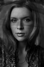 Портрет женщины с вуалью / Воропаево