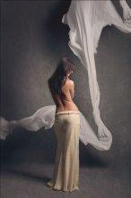 портрет девушки в бежевом / модель - Катерина
