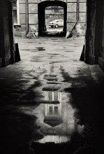 Проходной двор... / Один из проходных дворов в Одессе после дождя...