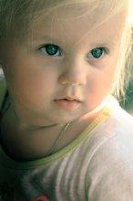 Девушка Блонда))) / Взгляд настоящей женщины, которая знает чего хочет, проявляется с самых ранних лет)))
