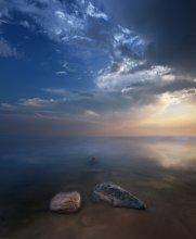 Третьим будешь ? / Море, вечер, камни, небо, свет.