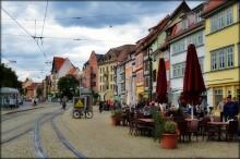 Color street / uliza v Erfurte http://www.youtube.com/watch?v=KELpCmqgErk&feature=related