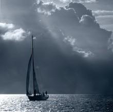 игры на воде / снято с катера на Балтийском море