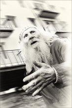 [ 85 ] / *Сегодня встретил потрясающего ЧЕЛОВЕКА, скульптор, художник и сильный ...не по годам) Руку пожал серьёзно... Завтра шагл-интревью, а пока знакомитесь - Николай Иванович Бельский, 85 лет, скульптор...