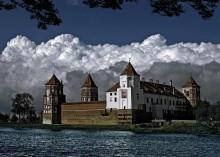 Воздушный замок / мягкая линия обороны мирский замок