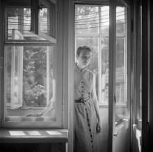 Ева (портрет на балконе) / ....................