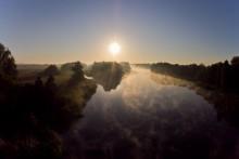 Рассвет над рекой / Брест, река Мухавец сентябрь 2011