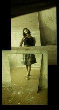 зазеркалье / давний автопортрет